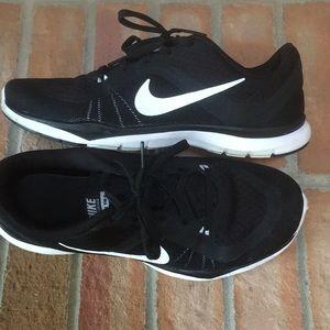 Nike Flex TR 6 Women's Black Training Shoes size 7